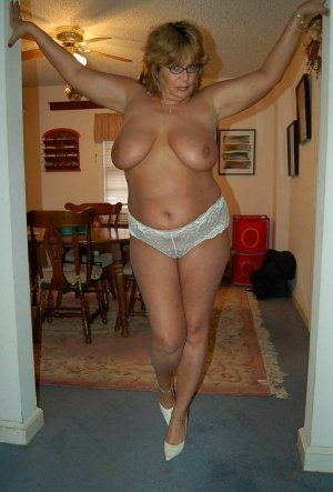 Miryam outcall escort in Roselle